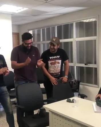 João Neto & Frederico e Henrique & Juliano cantam em fórum